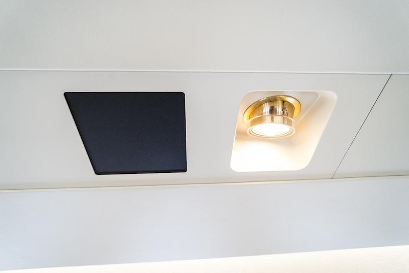Interior 32 Cfs Jets