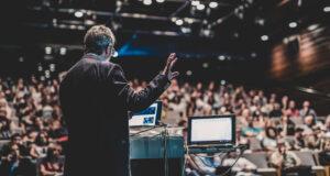 Las sesiones de convenciones híbridas le brindan expertos en cualquier lugar